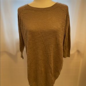 Express Lace-up Back 3/4 Sleeves Round Hem Sweater